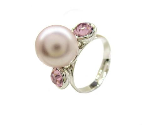 Кольцо Xuping с жемчугом и сиреневыми АВ кристаллами Swarovski родиум 6896000